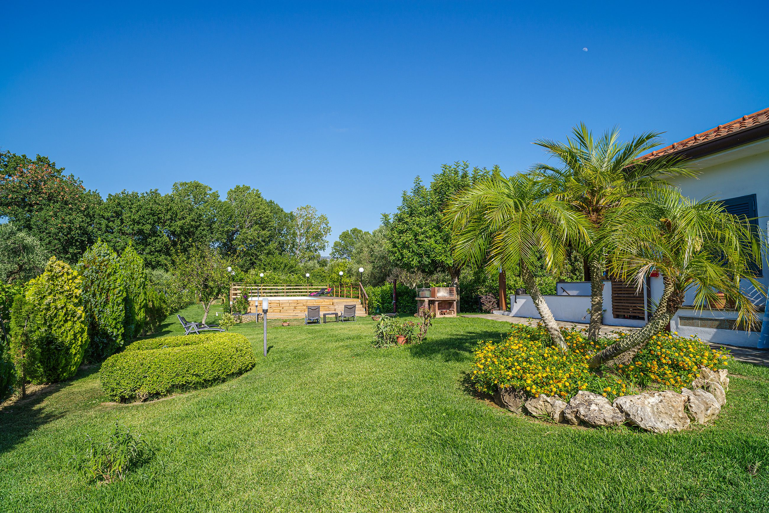 The green of B&B Verdelinfa, a suggestive place of pure serenity